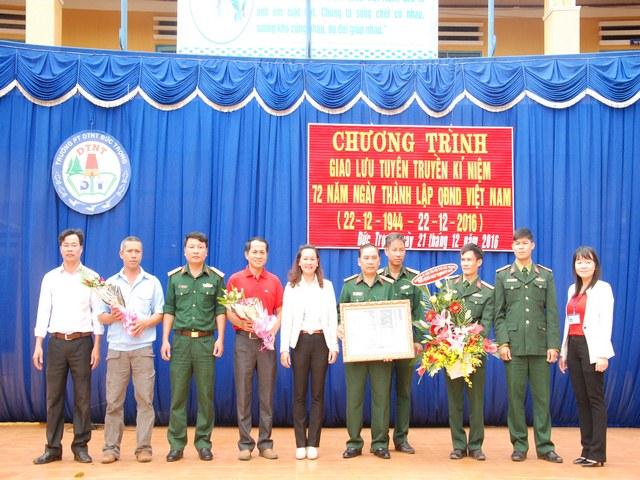 Giao lưu tuyên truyền kỉ niệm 72 năm ngày thành lập QĐND Việt Nam
